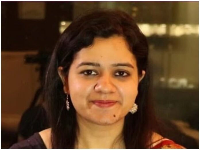 IAS Success Story: Three attempts, two successful, Himadri Kaushik became UPSC topper