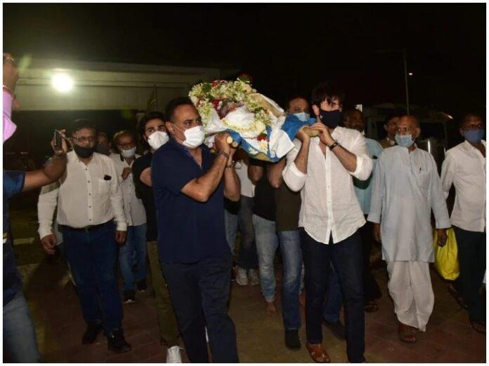 Ranbir Kapoor gave final farewell to his uncle Rajiv Kapoor