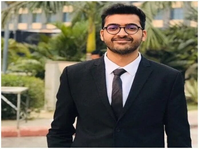 IAS Success Story: Mechanical Engineer Shubham becomes IAS officer in third attempt, reaches floor from this strategy