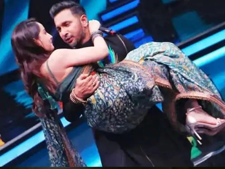 Nora Fatehi performed romantic dance on the song 'Bhigi Bhigi Raat Mein', set the stage on fire